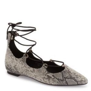 TOPSHOP Ghillie Sz 7 Gray Snake Print Pointed Flat